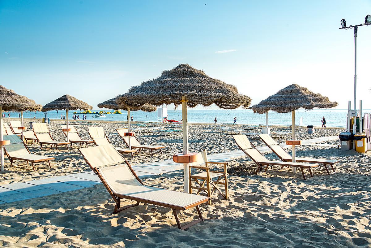 ombrelloni spiaggia rimini