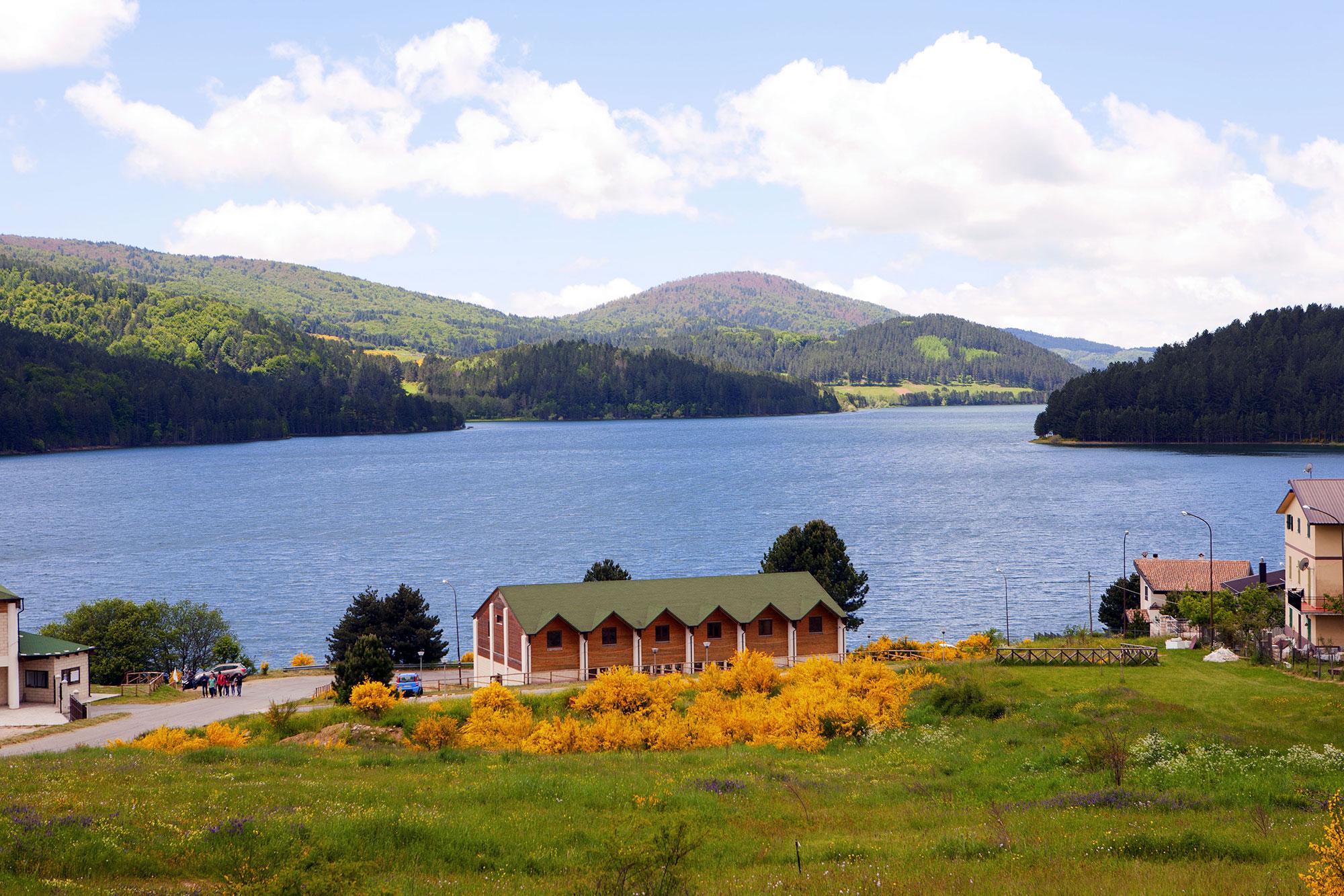 parco lago sila