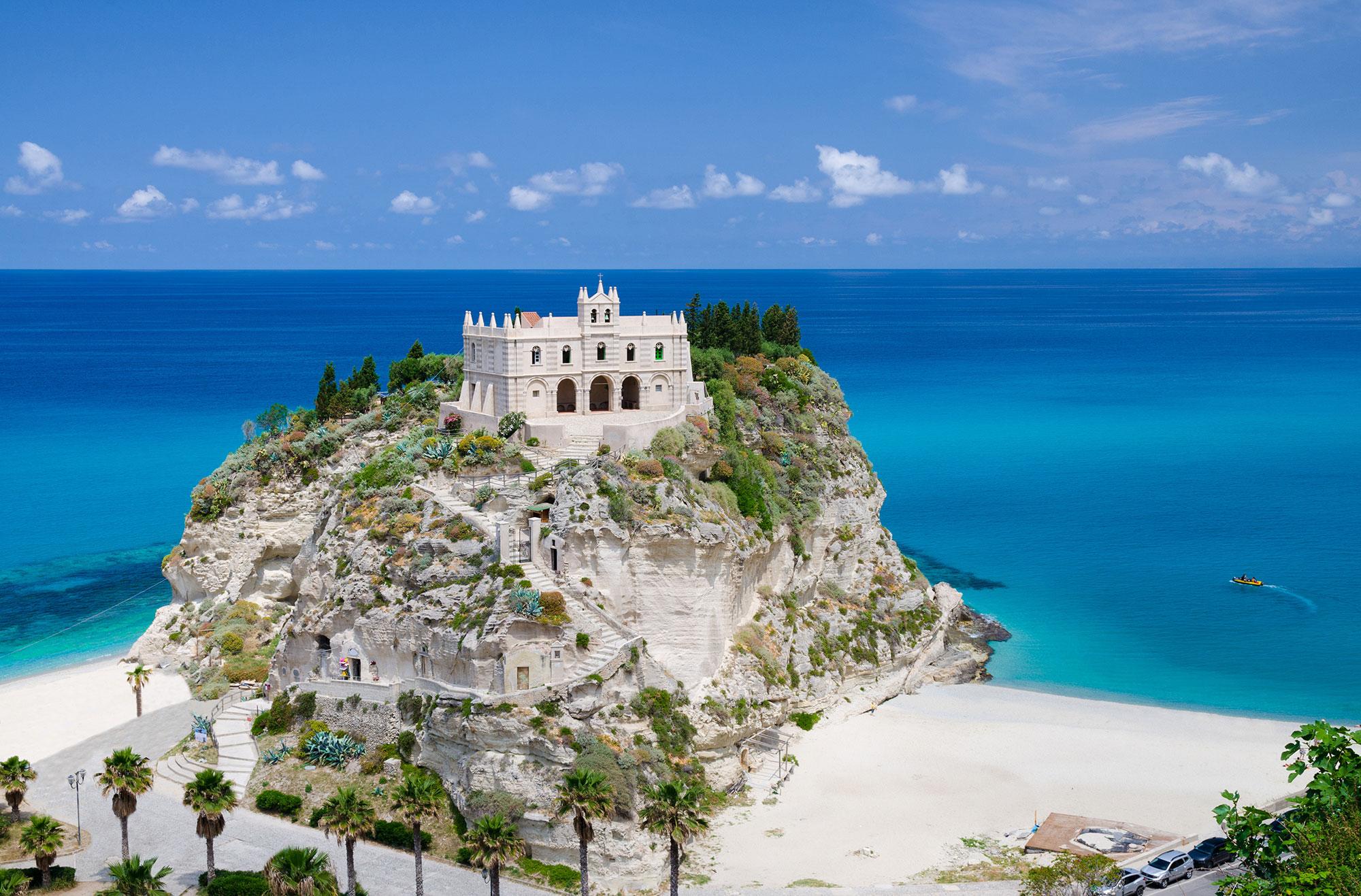 Santa Maria dell'Isola Tropea